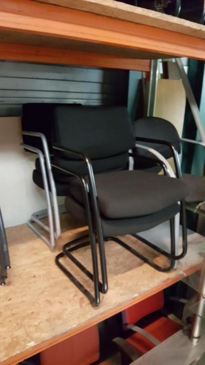 Vergaderstoelen kantoorstoelen berendbootje for Kantoorstoelen